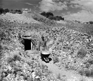 Herculano Montoya at the Tiffany mine(1937). Palace of the Governors Photo Archives
